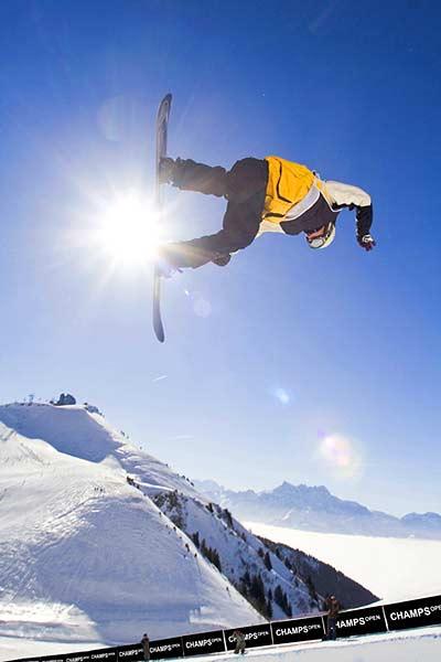 Snowboarder bei den Champs Open in Crans Montana Foto: Fabrice Borgazzi