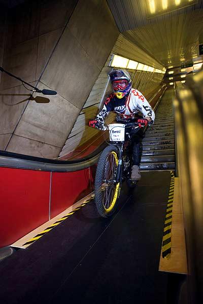 Metro Ride in der Budapester Metro Foto: Vitek Ludvik, Red Bull