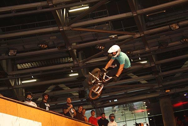BMX Vert bei den Extreme Playgrounds in Berlin Foto: Sascha Jurek, funsporting.com