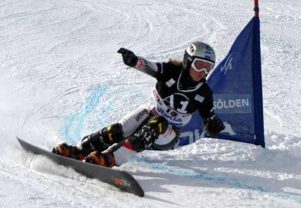 Marion Kreiner beim FIS Snowboard Weltcup in Sölden Foto: FIS