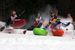 Snowkajak Sportler. Foto: Martin Lugger, Red Bull