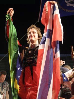 André Villa - strahlender Sieger der Night of the Jumps Brasilien Foto: Oliver Franke