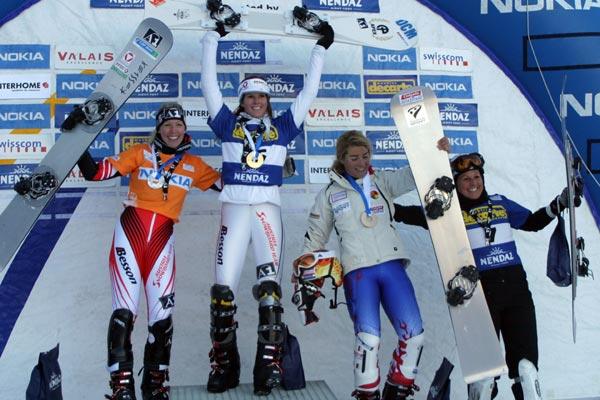 Siegerehrung der Damen: Heidi Neururer, Julia Dujmovits, Nicolien Sauerbreij und Claudia Riegler       Foto: fis-ski.ch
