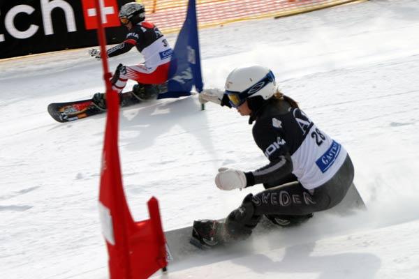 Aprilia Hagloff (SWE) vs. Ina Meschik (AUT), FIS Snowboard Weltcup Foto: Oliver Kraus, FIS