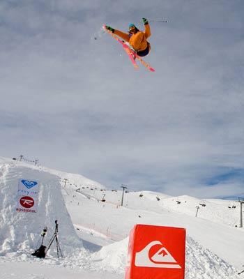 Snowpark Tour 2008: Freeski-Gewinner Philipp Baumgartner aus Lienz im Y-Park Sillian Foto: Lorenz Holder