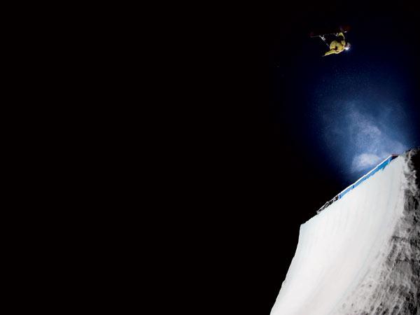 Snowboarder Antti Autti in der Quarterpipe.  Foto: Hanafi, Billabong