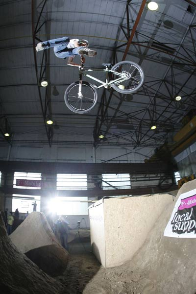 MTB Action bei der Local Support Dirt Session.  Foto: Clauber
