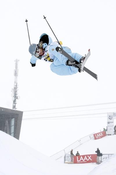 Mirjam Jäger bei den European Freeski Open in Laax.  Foto: Stadler