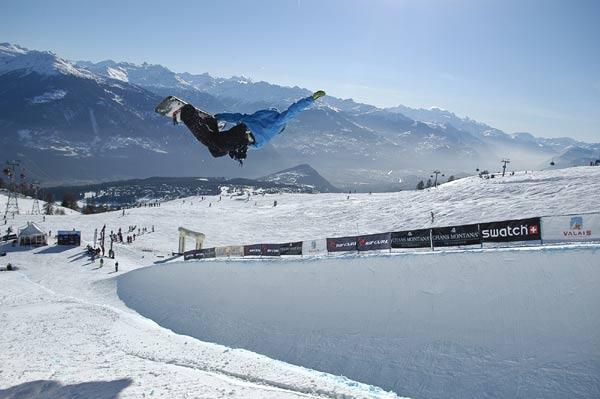 Zweiter im Finale der Snowboarder in Crans Montana: Der Schweizer Gian Simmen.  Foto: Etienne Messikommer