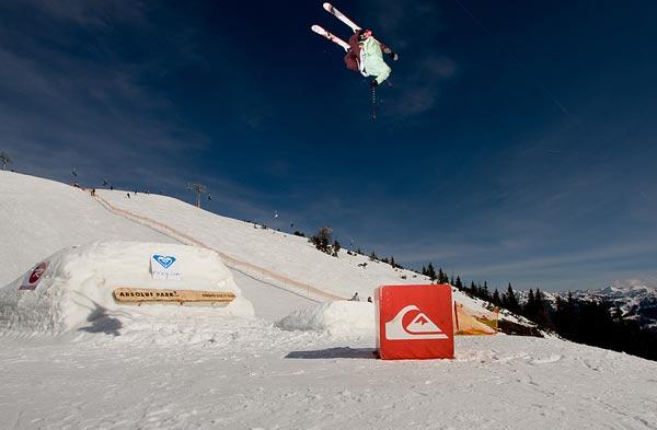 Tobias Gratz bei der Snowpark Tour 2008 im Absolut Park, Flachauwinkl.  Foto: Lorenz Holder