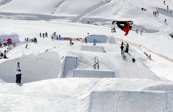 Snowboarder beim Ästhetiker Jam - Wängl Tängl Foto: Mic Dragaschnik