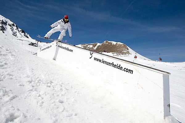 Rider Richard Skandera im Snowpark Lenzerheide.  Foto: Paco, QParks