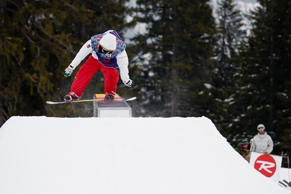 Vorjahressieger Patrick Wörle siegte auch diesmal wieder bei der Snowparktour im Fellhorn Park.  Foto: Lorenz Holder
