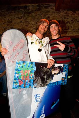 Patrik Huber mit Snowboard-Weltmeister Mathieu Crépel Foto: Veranstalter
