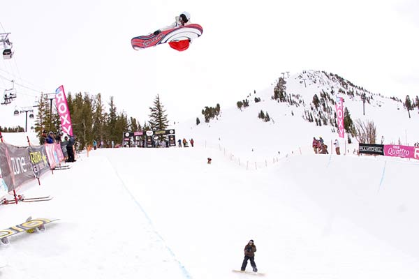 Kelly Clark beim Roxy Chicken Jam in Mammoth, USA. Foto: TTR