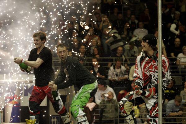 Die Gewinner der Night of the Jumps in Berlin.  Foto: Oliver Franke, IFMXF.com
