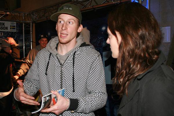 Fabian Bauersachs im Interview mit funsporting-Redakteurin Janina.  Foto: Sascha Jurek