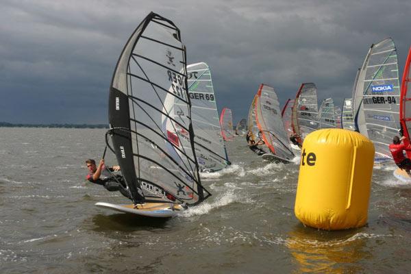 Am Steinhuder Meer startet der Deutsche Windsurf Cup in die neue Saison.  Foto: Choppy Water GmbH
