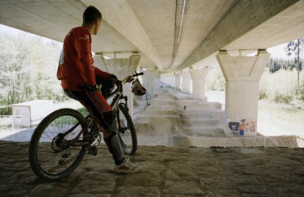 Guido Tschugg in seinem eigenen Bikepark.  Foto: Frank Heinrich