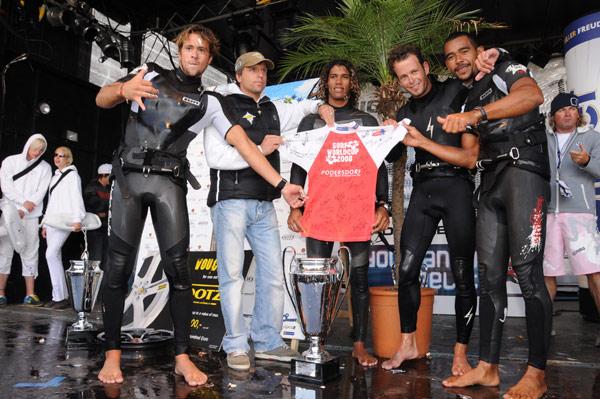 Die Sieger des Surf Weltcups 2008 in Podersdorf.  Foto: Michael Gruber