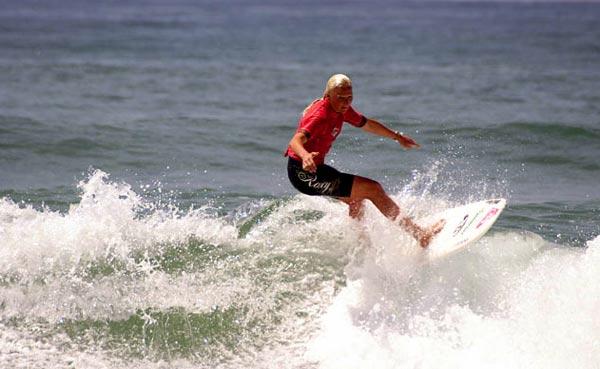 Die Deutsche Meisterschaft im Wellenreiten findet 2008 wieder in Seignosse statt.  Foto: Tom Heyken, DWV