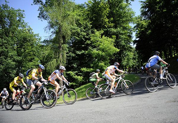 Fahrerfeld der Bike Trans Germany 2008.  Foto: Oliver Kraus/ Smaragd Medien GmbH