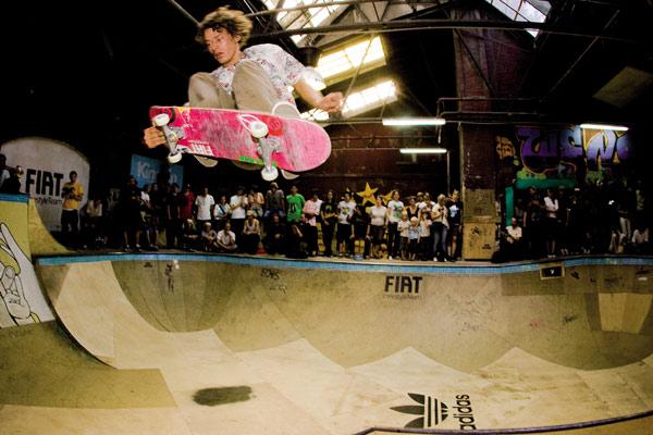 Jürgen Horrwarth gewann die Disziplin Bowl im rahmen des adidas Skateboard Clashs 2008.  Foto: Ortmaniacs
