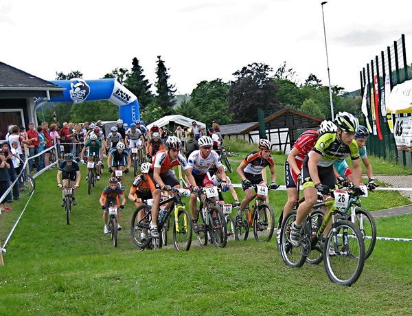 Start der Herren in Saalhausen 2007.  Foto: MTB Pressedienst