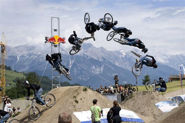 Dirt Jumper Aze Etzold.  Foto: Markus Greber