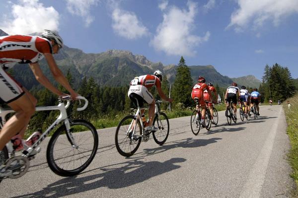 Impressionen der vorletzten Etappe der Tour-Transbike 2008 nach Feltre.  Foto: Veranstalter