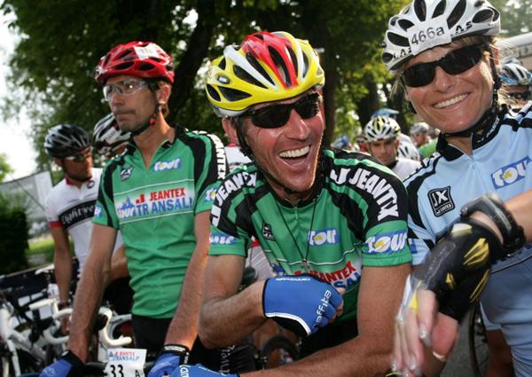 Glücklich über die Ankunft am Tourziel in Bibione.  Foto: Veranstalter