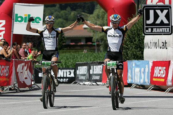 Sieger der ersten Etappe von Füssen nach Imst: Vorjahressieger Karl Platt und Stefan Sahm.  Foto: Veranstalter
