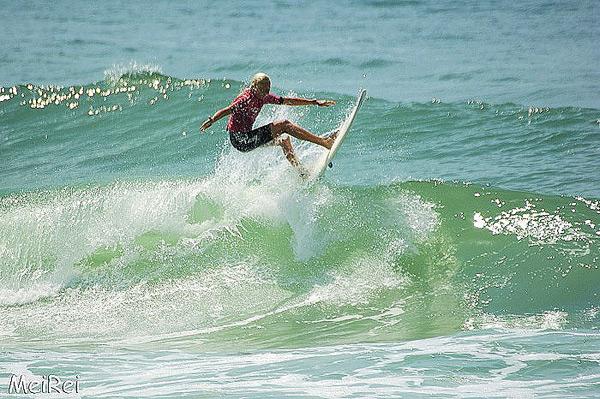 Sonni Hönscheid wird beim Girls go Surfing Day in Hossegor das Teaching übernehmen.  Foto: Roxy Europe/ Meike Reijerman