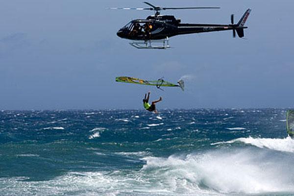Campello wird als derzeitig radikalster Surfer der Welt diskutiert.  Foto: worldofwindsurfing.com