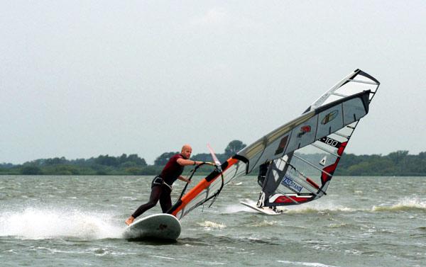 Deutscher Windsurf Cup: Premiere am Dümmer See.  Foto: Katja Bürgelt