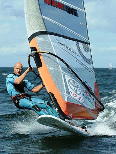 Bernd Flessner (GER - 16) beim Racing.  Foto: Katja Buergelt/ Choppy Water
