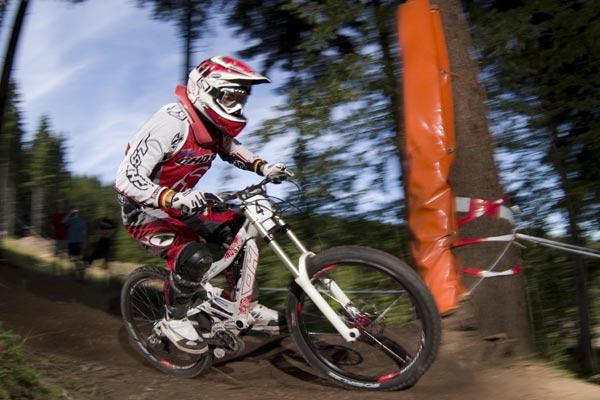 Marcus Klausmann beim iXS German Downhill Cup in Steinach.   Foto: Thomas Dietze