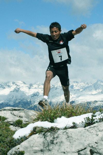 Schwerer Aufstieg beim Dolomitenmann.  Foto: Niki Grissmann