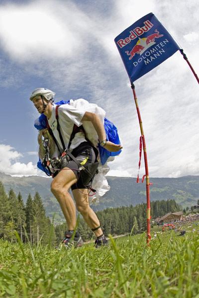 Paraglider beim Spurt.  Foto: Veranstalter