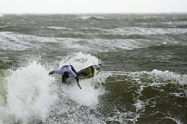 Flori Kummer auf Sylt.  Foto: Andy Foxx/ www.pureframes.com/ Red Bull Photofiles