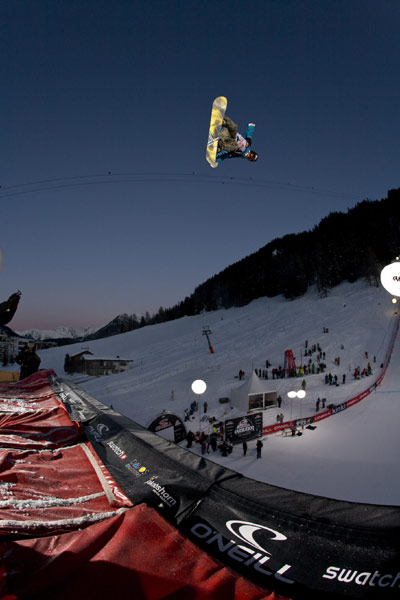 Quarterpipe Final beim O'Neill Evolution 2009 in Davos.  Foto: Hansi Herbig
