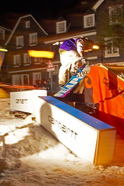 Snowboarder beim Ride the Stairway.  Foto: Tim Dalhoff