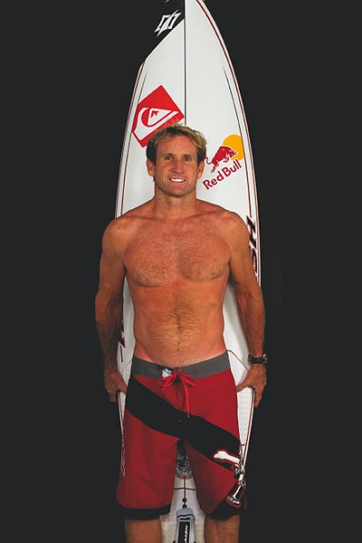 Robby Naish mit Boardshorts.  Foto: Quiksilver