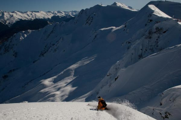 Der Schweizer Raphael Bullet beim Freeriden.  Foto: C. Margot