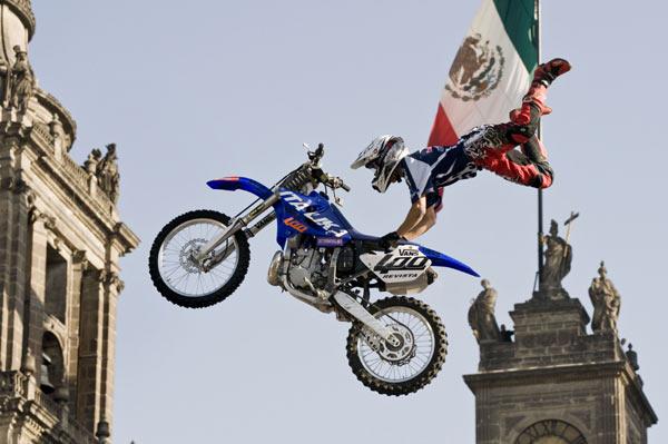 Red Bull X-Fighters World Tour 2009.  Foto: Stefan Stau