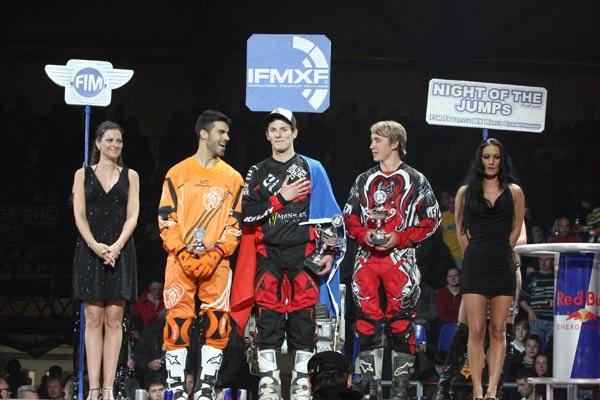 Die Gewinner des ersten Abends der Night of the Jumps in Graz.  Foto: Oliver Franke / IFMXF.com