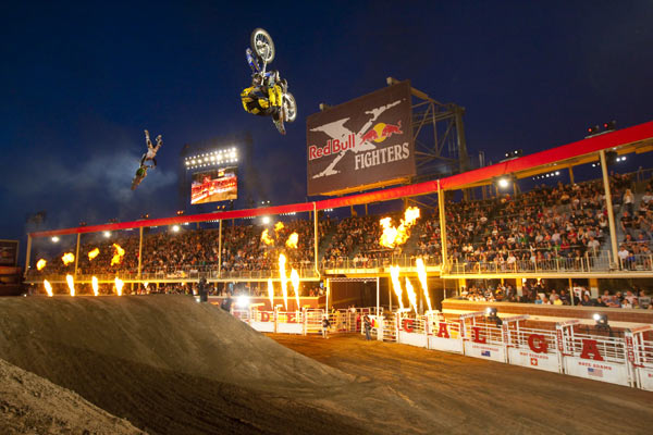 Red Bull X-Fighter: Jeff Fehr.  Foto: Christian Pondella/ Red Bull Photofiles