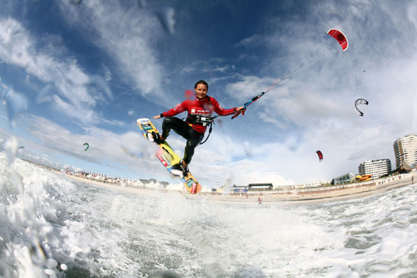 Kristin Boese beim Kitesurf World Cup 2009 auf Sylt.  Foto: reemedia/reemedia