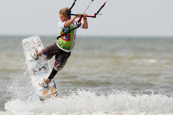 Kitesurf World Cup 2009 in St. Peter-Ording.  Foto: Veranstalter