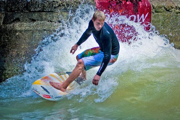 Gerry Schlegel bei den Munich Surf Open.  Foto: flohagena.com